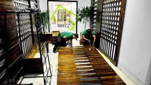 Green wall-det (5)